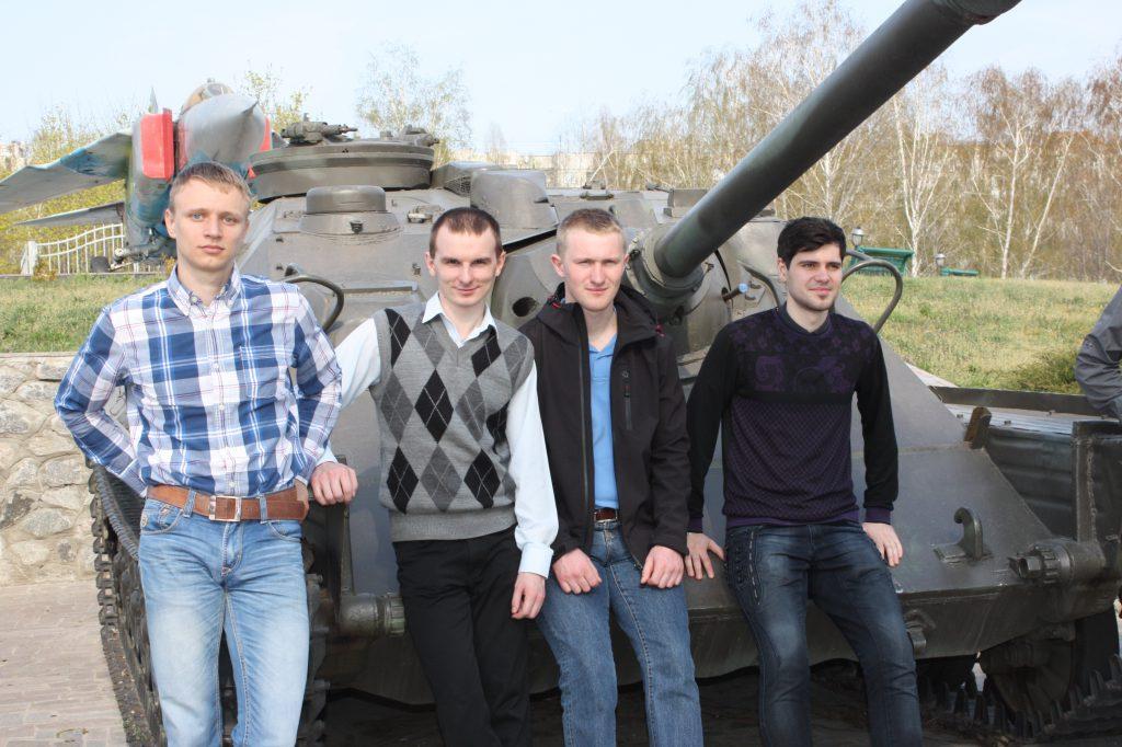Команда студентів кафедри електричних машин на Всеукраїнській студентській олімпіаді в Кременчуці (2014)