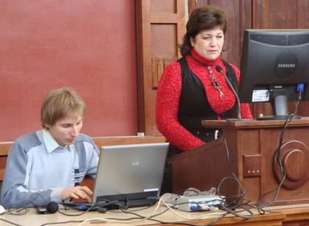 На пленарном заседании «SIEMA-2011» с докладами по своим докторским диссертациям выступают сотрудники кафедры электрических машин Павленко Т.П.