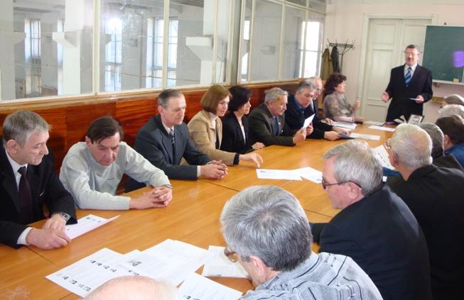 Торжественное заседание кафедры, приглашенных близких и учеников Рогачева И.С. в честь 100-летия со дня его рождения