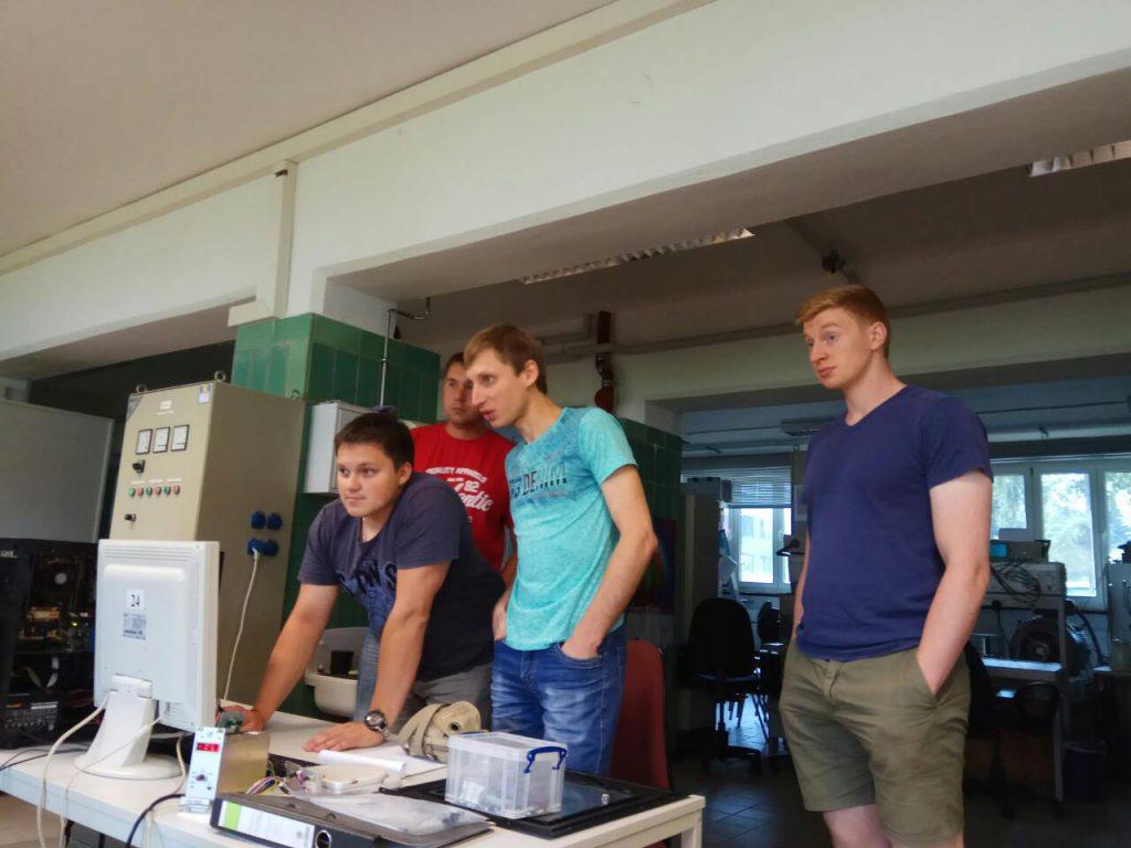 На фото зліва на право: Лагунов Дмитро, Єгоров Андрій, Дунєв Олексій, Sebastian Hieke (OvGU)
