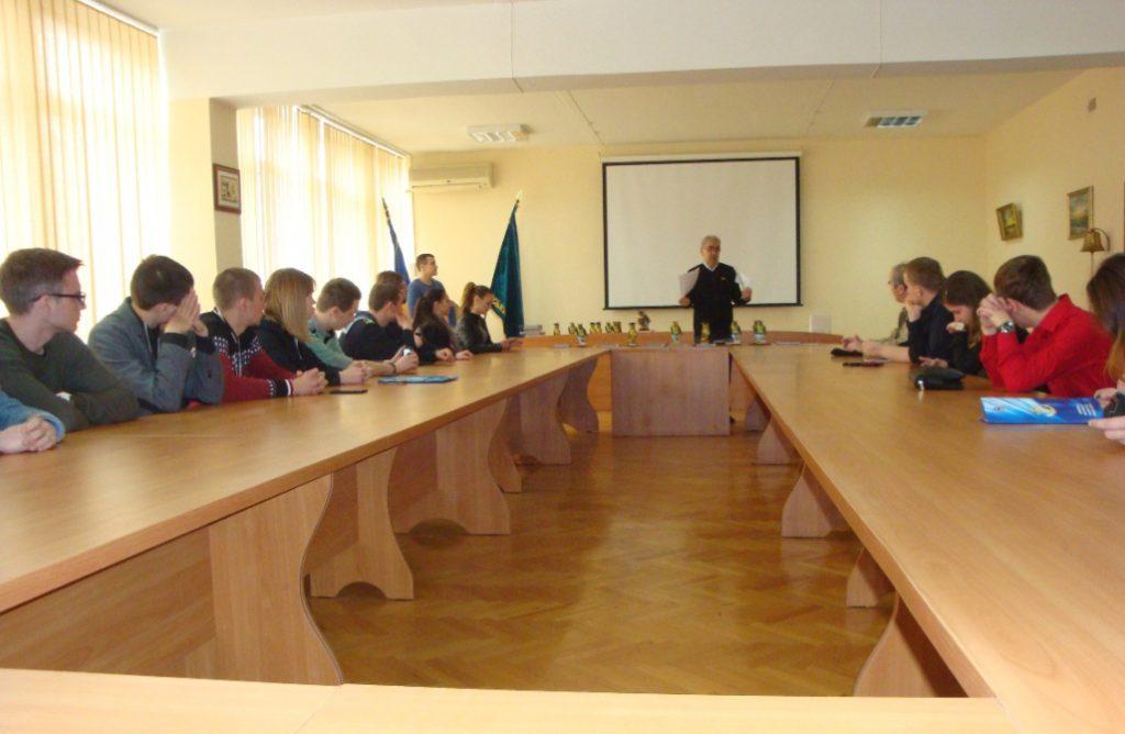В зале заседаний ОНМУ перед награждением студентов-победителей