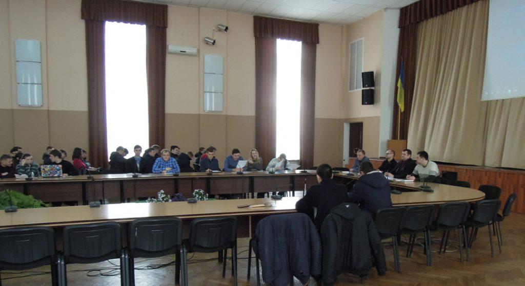В зале заседаний КНУ, где происходили докладе секции «Горная электромеханика»