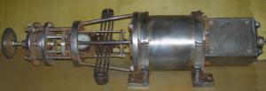 Линейный двигатель механизма наклона
