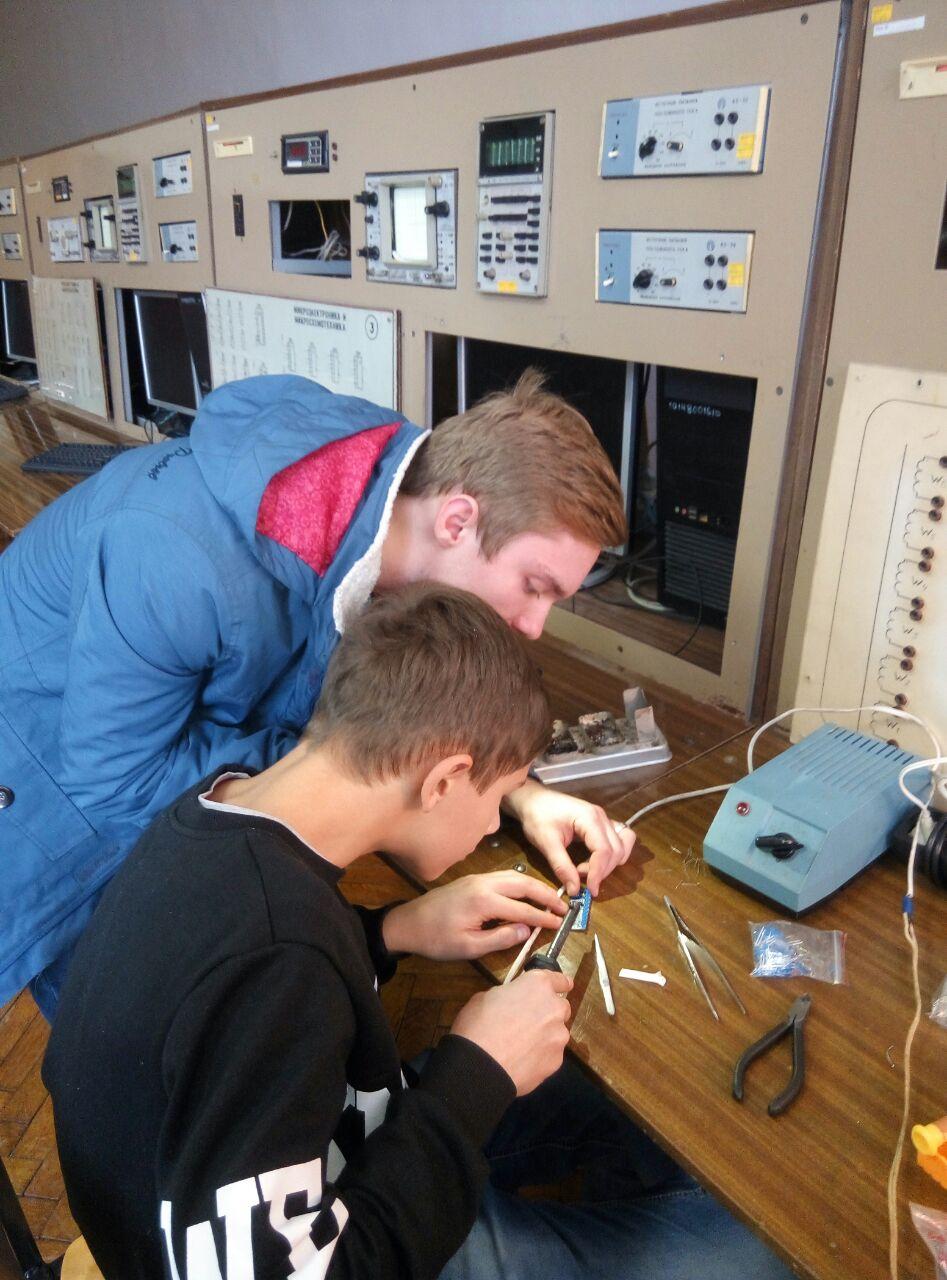 Промислова електроніка для школярів