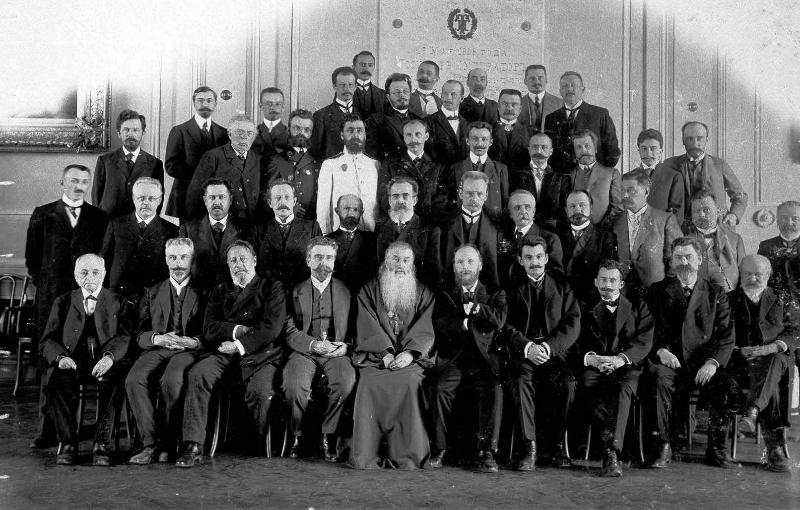 Группа преподавателей ХТИ в 1910 г.
