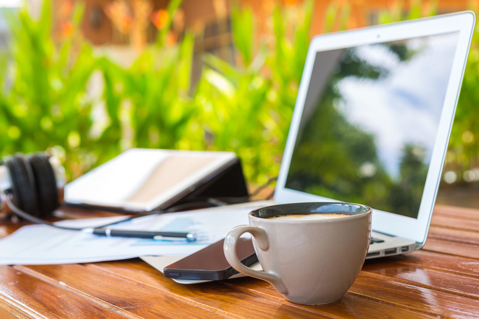 постоянной красивая картинка ноутбук и кофе воздушная, психическая подушка