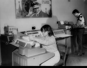 Студенти проводять обчислення на ЦОМ «Наїрі-2»